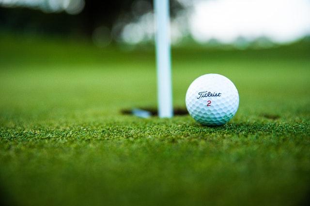 whats inside a golf ball