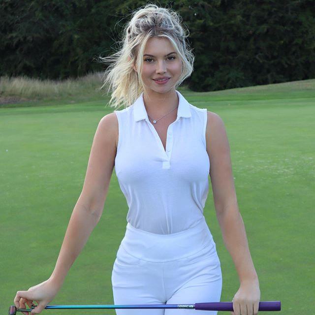 gorgeous women golfer