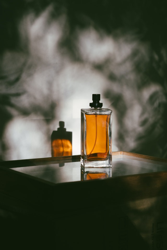 sandalwood scent