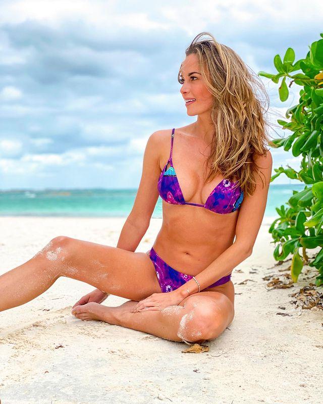 Jena Sims on beach